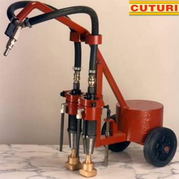 Máquina de bujardar de dois martelos tipo T (não incluídos) com mangueiras
